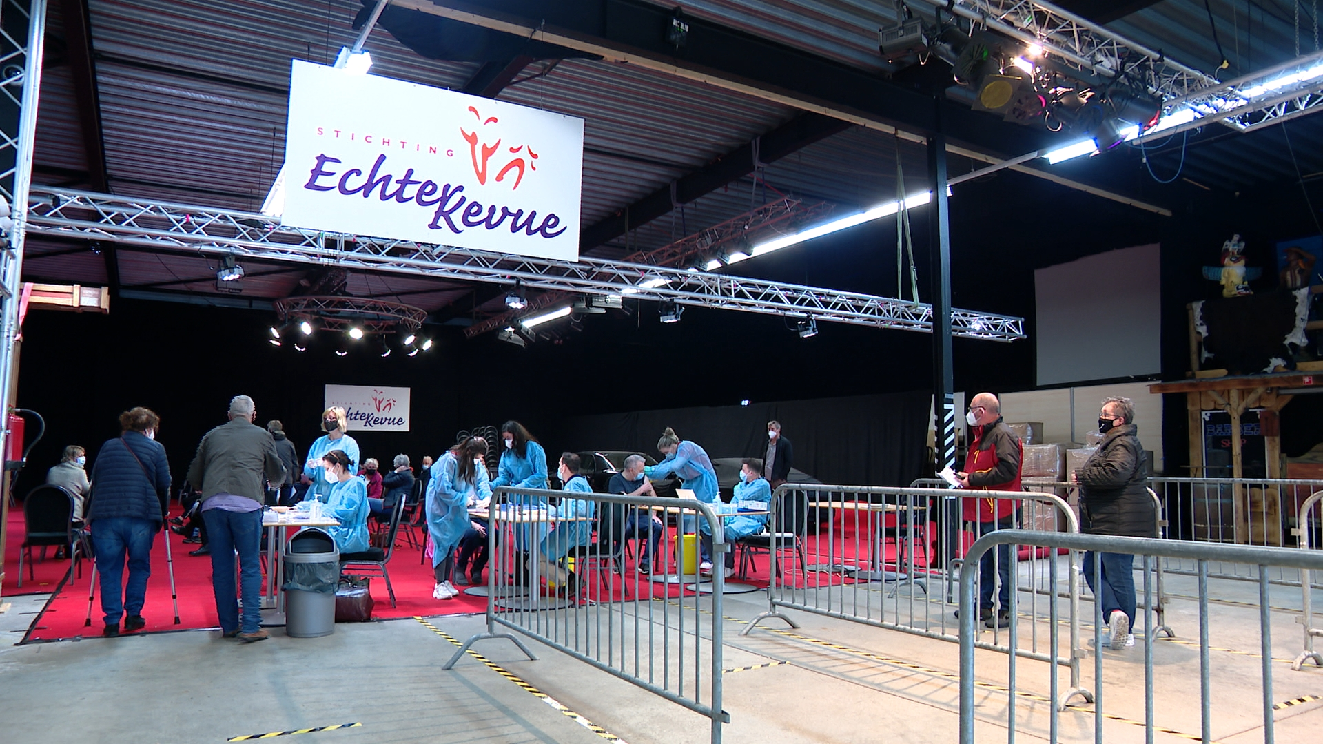 Priklocatie EuroDetach theater van de Echter Revue weer ontmanteld