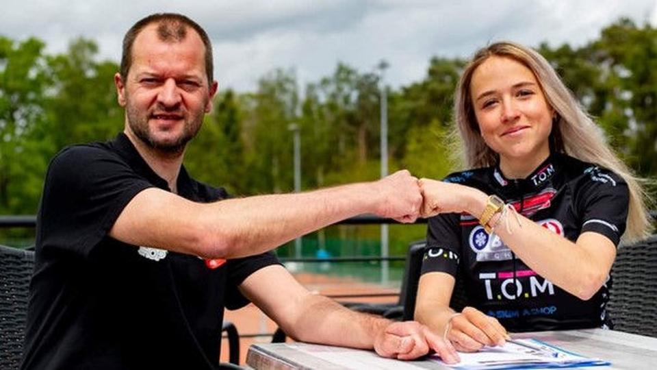 Echts wielertalent Femke Gort (17) tekent contract bij Belgische veldritploeg