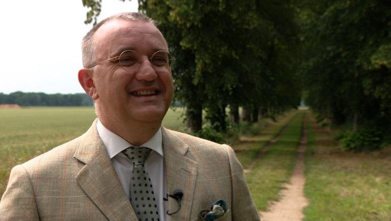 Jos Hessels tien jaar burgemeester: 'Corona grootste uitdaging'